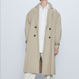 Doubled breasted trench coat